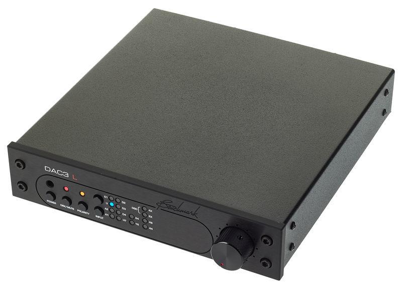 Benchmark DAC3 L Black