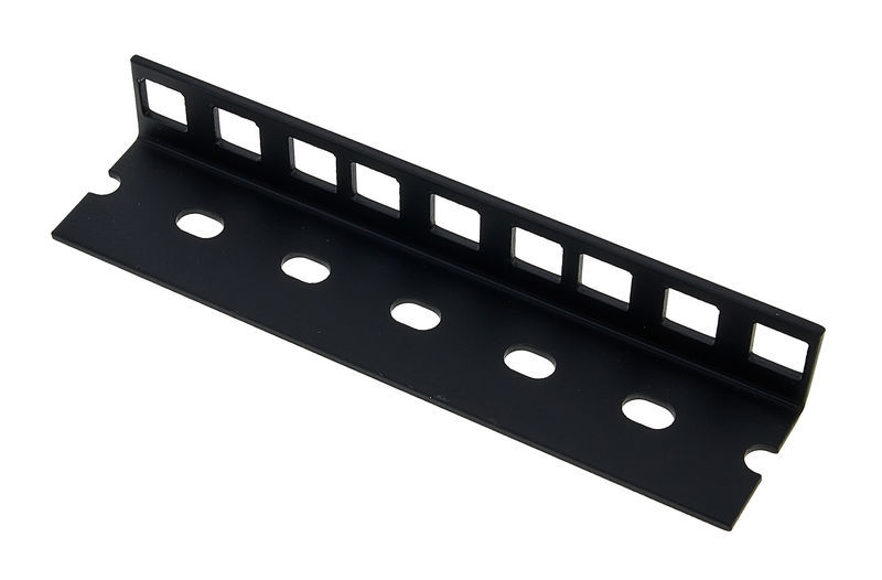 Adam Hall 61535B3 Rack Strip 3U blk