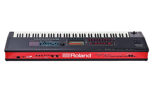 Roland Fantom 8 – Thomann UK