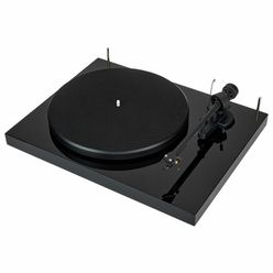 Pro-Ject Debut III DC black