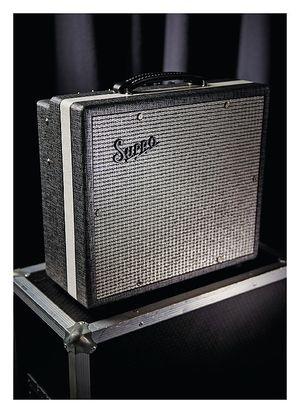 Guitarist Supro 16 10RT Comet