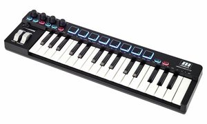 Teclados controladores MIDI (até 49 teclas)