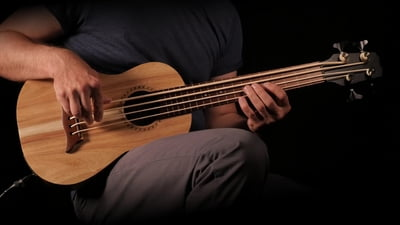 Thomann Fretless Bass Ukulele